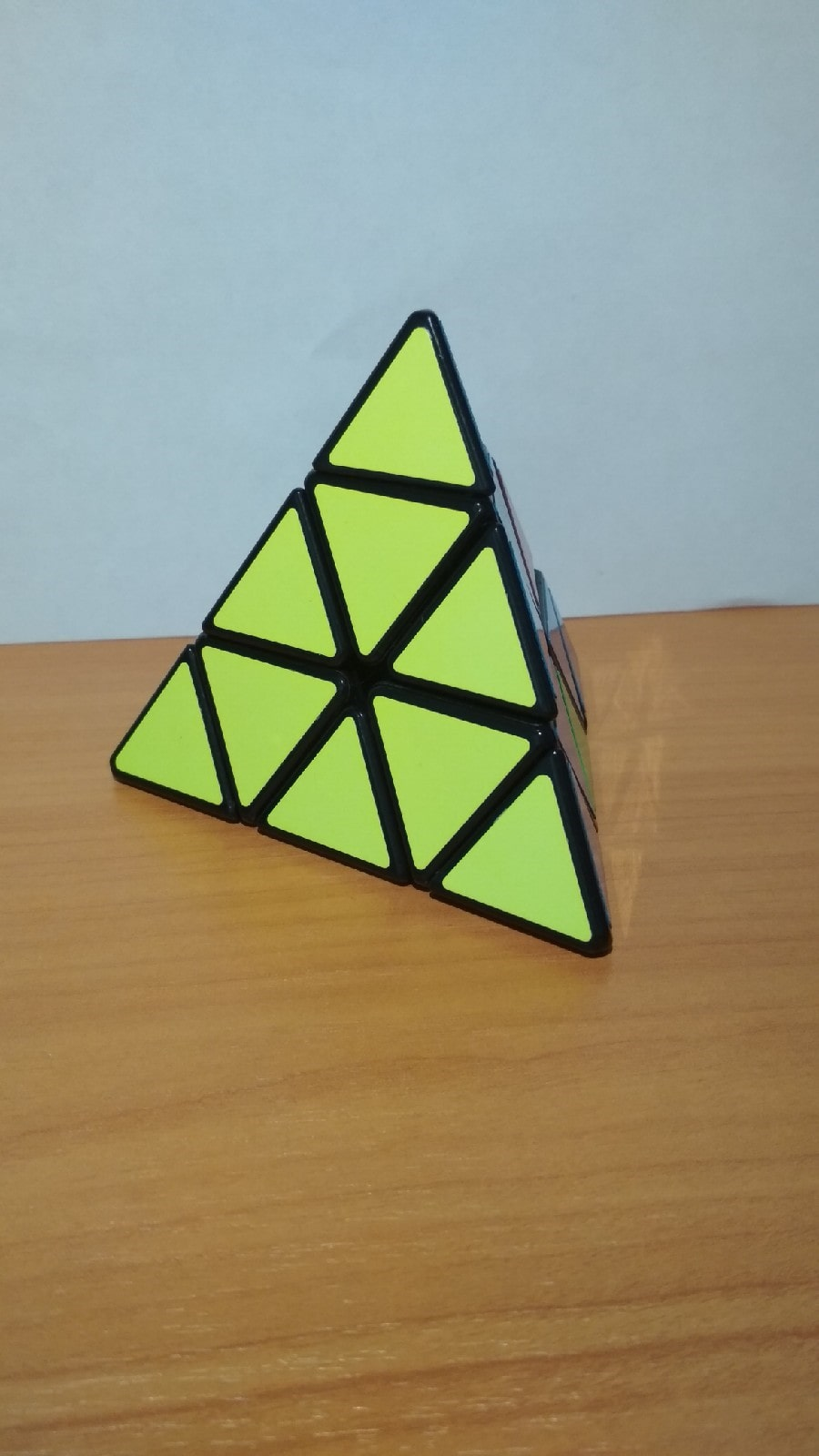Итоговый вариант кубика Рубика пирамидки